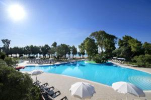 La piscina del Floriana Resort