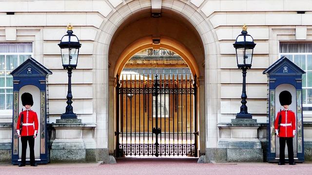 Cambio della guardia a Buckingham Palace Londra